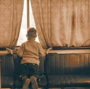 dete-na-prozoru